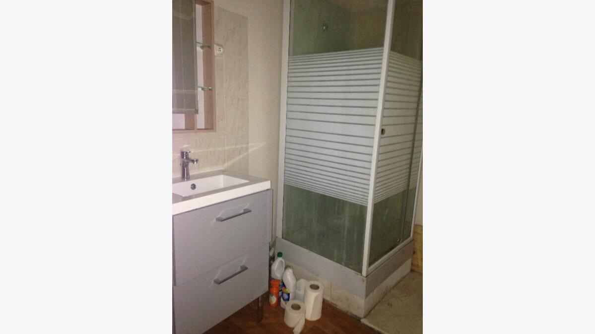 Location Appartement 2 pièces à Laon - vignette-3