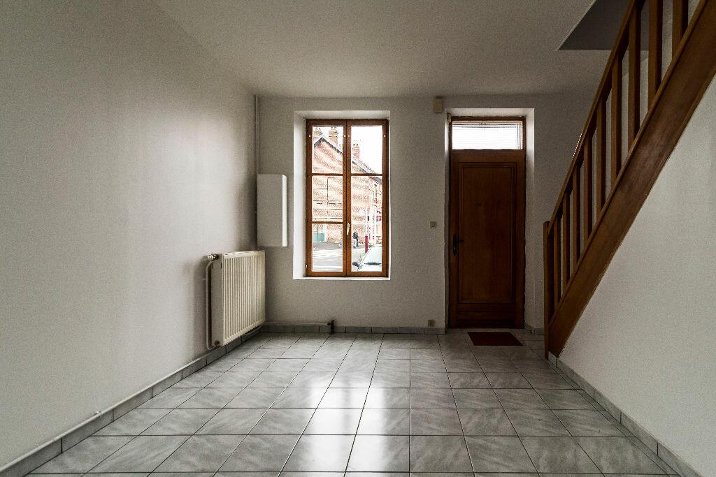 Location Maison 3 pièces à Liesse-Notre-Dame - vignette-9