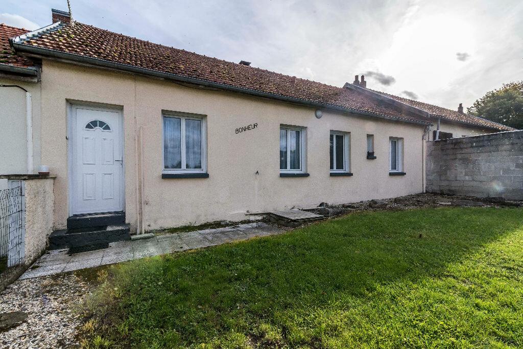 Achat Maison 4 pièces à La Ville-aux-Bois-lès-Pontavert - vignette-1