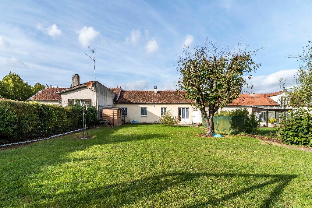Achat Maison 4 pièces à La Ville-aux-Bois-lès-Pontavert - vignette-2
