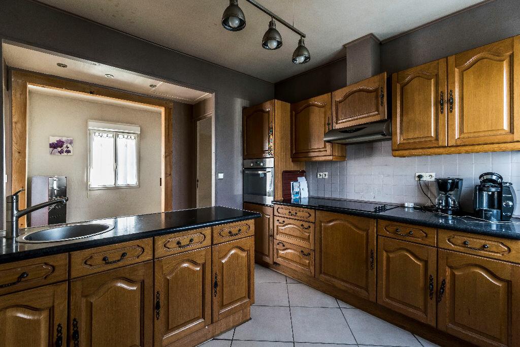 Achat Maison 4 pièces à La Ville-aux-Bois-lès-Pontavert - vignette-4