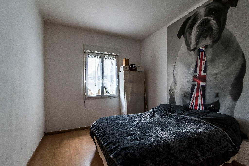 Achat Maison 4 pièces à La Ville-aux-Bois-lès-Pontavert - vignette-8