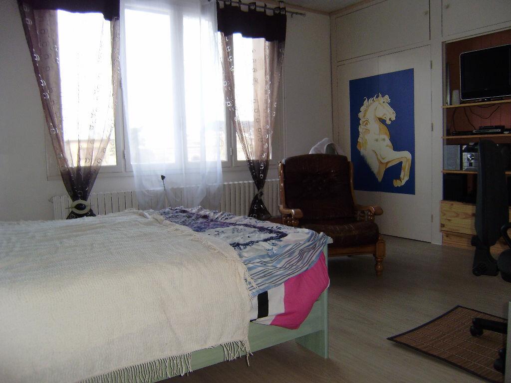 Achat Maison 4 pièces à Saint-Aubin-lès-Elbeuf - vignette-3