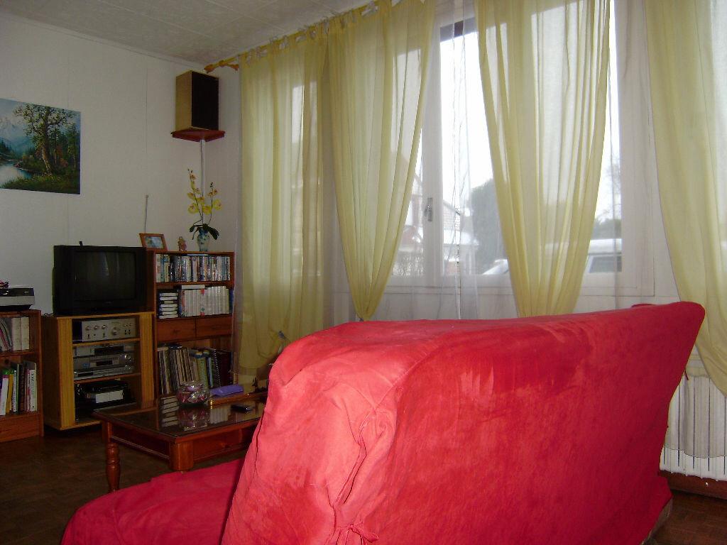 Achat Maison 4 pièces à Saint-Aubin-lès-Elbeuf - vignette-4