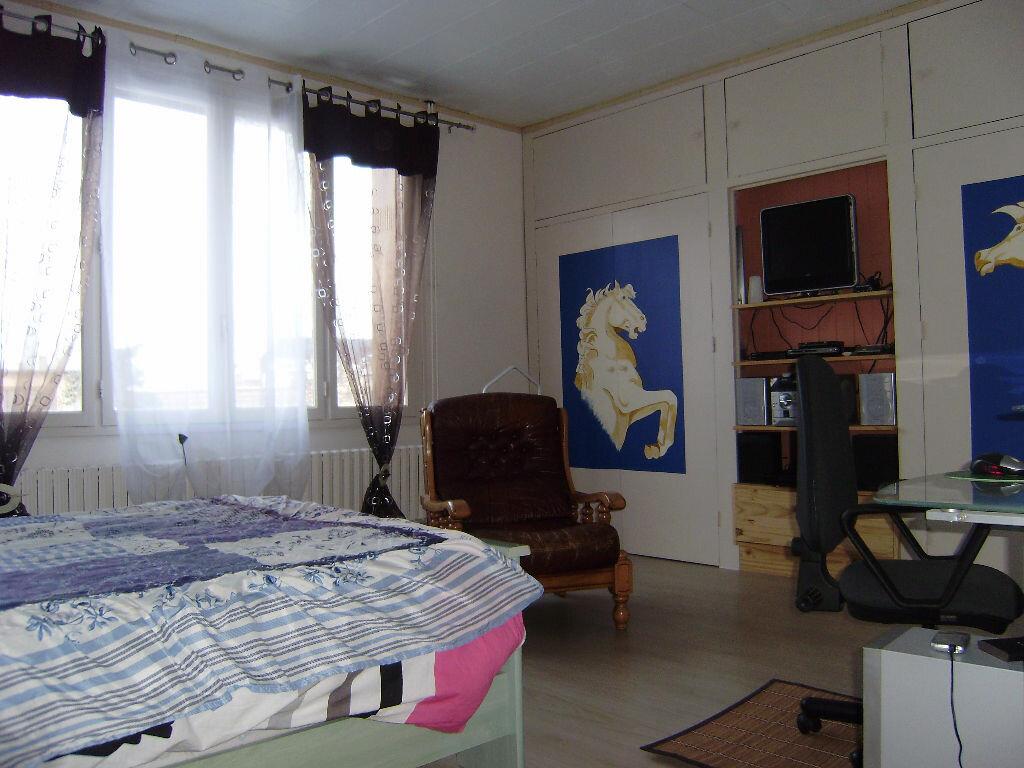 Achat Maison 4 pièces à Saint-Aubin-lès-Elbeuf - vignette-8