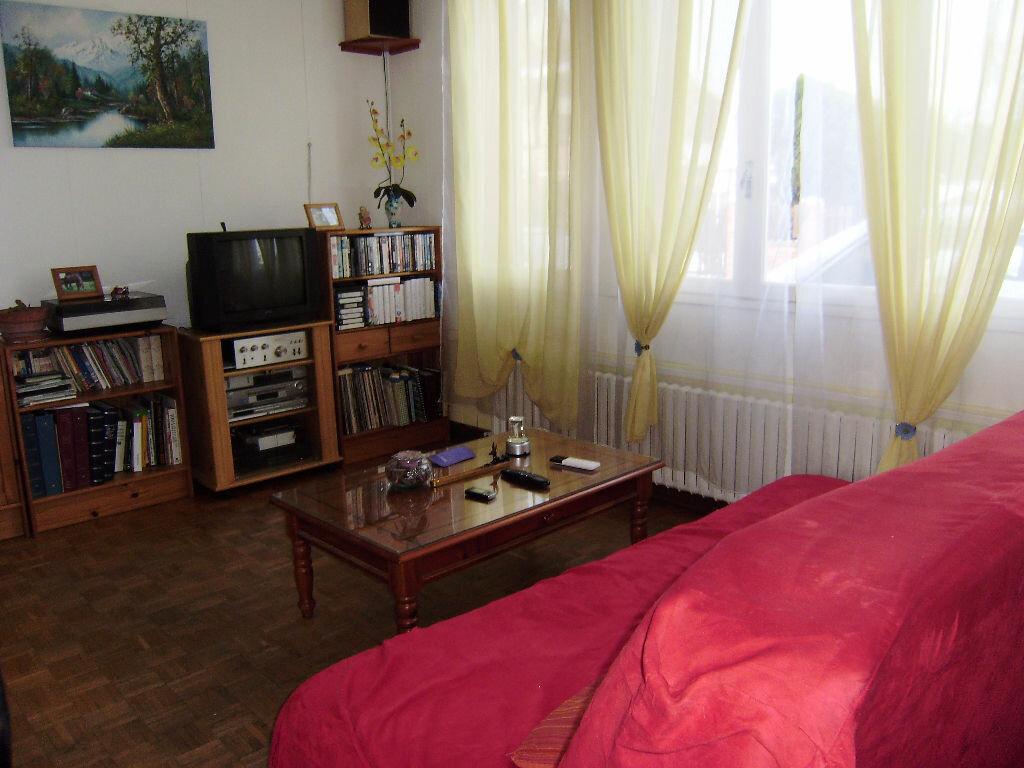 Achat Maison 4 pièces à Saint-Aubin-lès-Elbeuf - vignette-11
