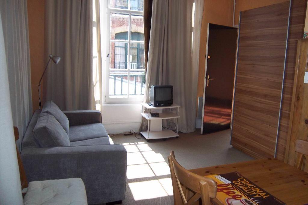 Achat Appartement 1 pièce à Elbeuf - vignette-1