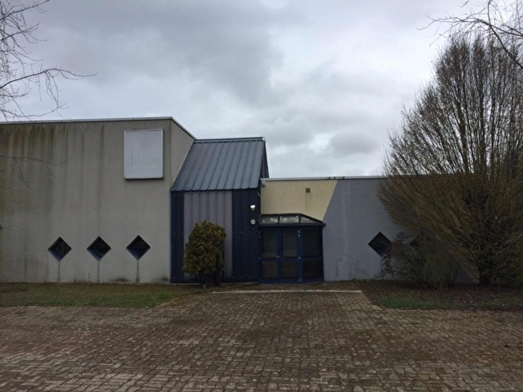 Location Local commercial  à Ormes - vignette-2