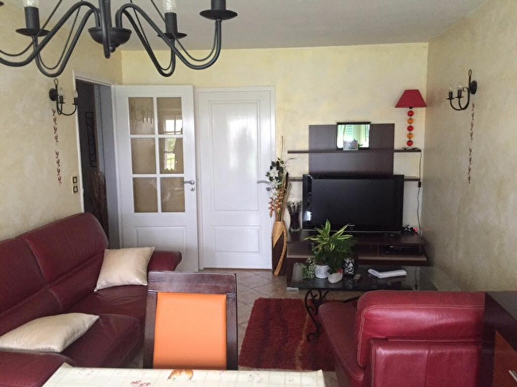 Achat Appartement 4 pièces à Saint-Jean-de-la-Ruelle - vignette-1