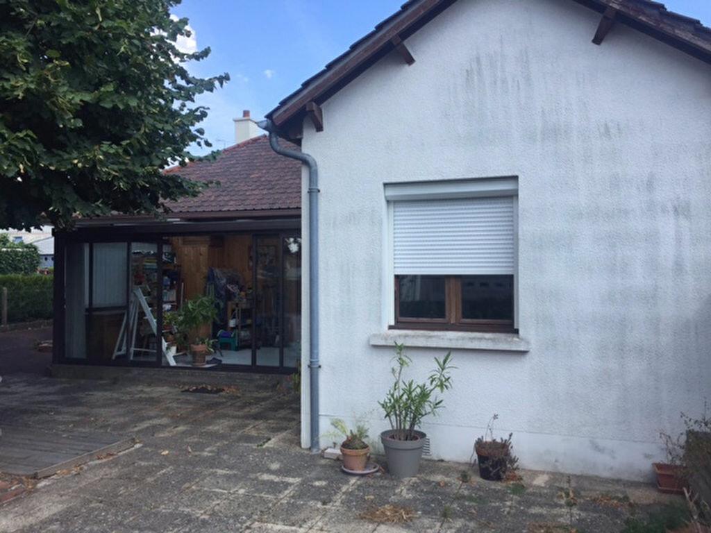 Achat Maison 4 pièces à Saint-Jean-de-la-Ruelle - vignette-4