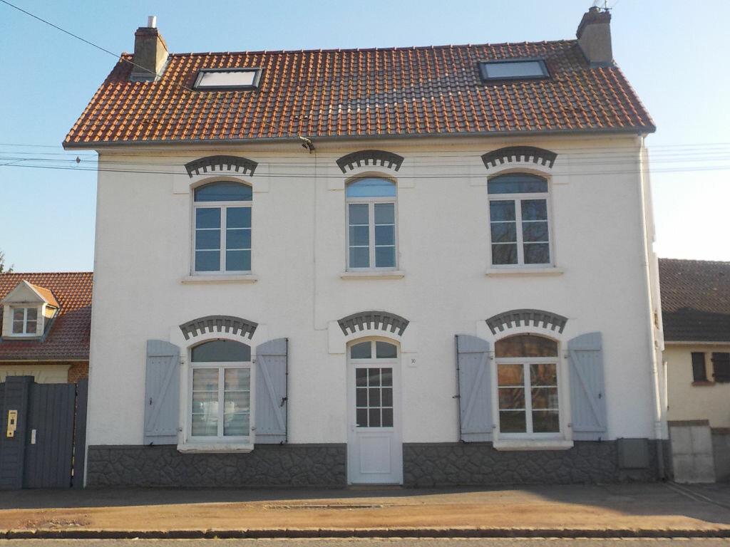 Location Maison 5 pièces à Beaurains - vignette-1