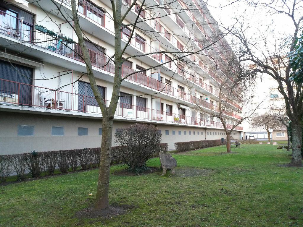 Achat Appartement 4 pièces à Metz - vignette-14