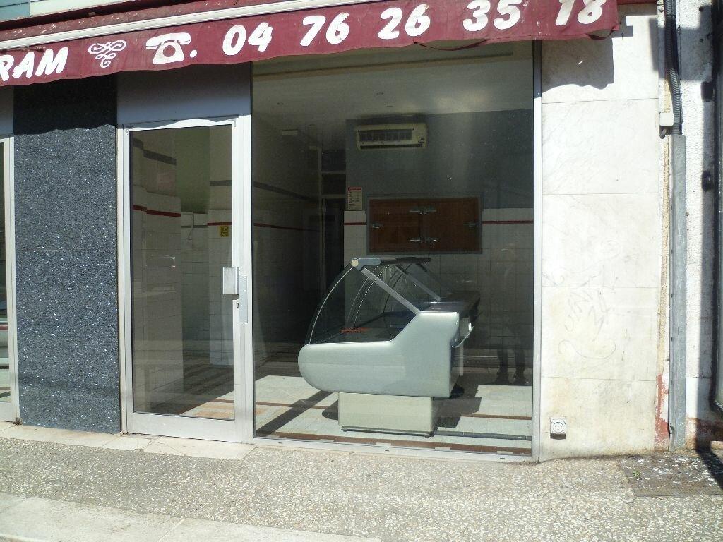 Location Local commercial  à Fontaine - vignette-1