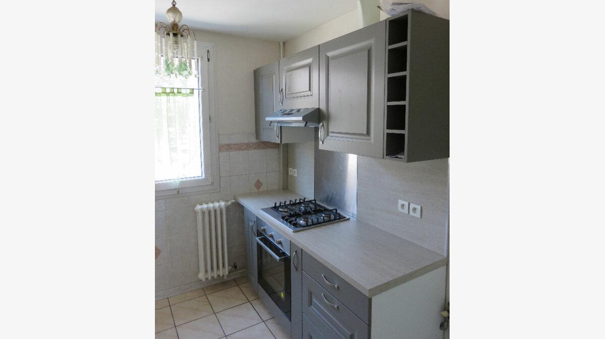 Achat Appartement 4 pièces à Saint-Martin-d'Hères - vignette-1