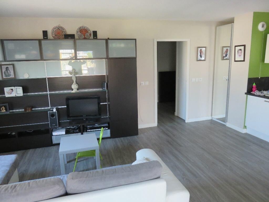 Achat Appartement 3 pièces à Saint-Martin-le-Vinoux - vignette-3