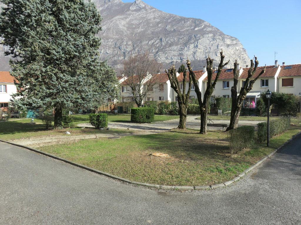 Achat Appartement 3 pièces à Saint-Égrève - vignette-1