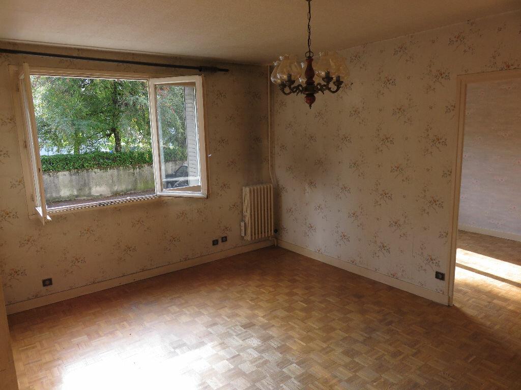 Achat Appartement 3 pièces à Saint-Égrève - vignette-2