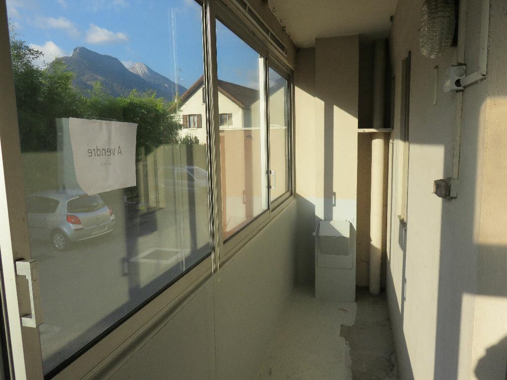 Achat Appartement 3 pièces à Saint-Égrève - vignette-4
