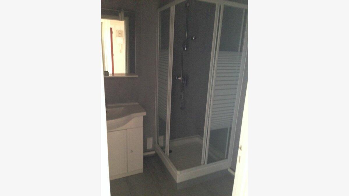 Location Appartement 3 pièces à Romainville - vignette-5