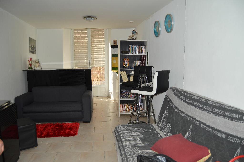 Achat Appartement 1 pièce à Tourves - vignette-1