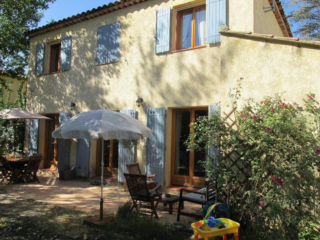 Achat Maison 5 pièces à Saint-Maximin-la-Sainte-Baume - vignette-1