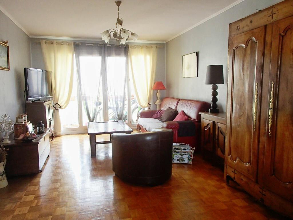 Achat Appartement 4 pièces à Saint-Gratien - vignette-3