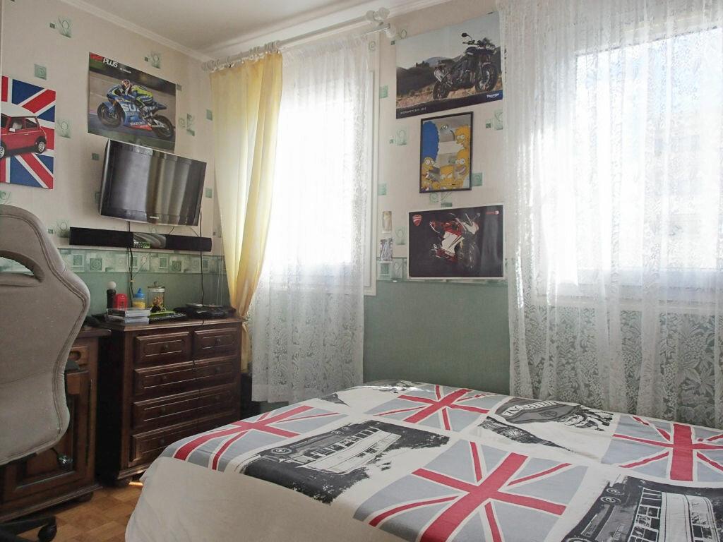 Achat Appartement 4 pièces à Saint-Gratien - vignette-7