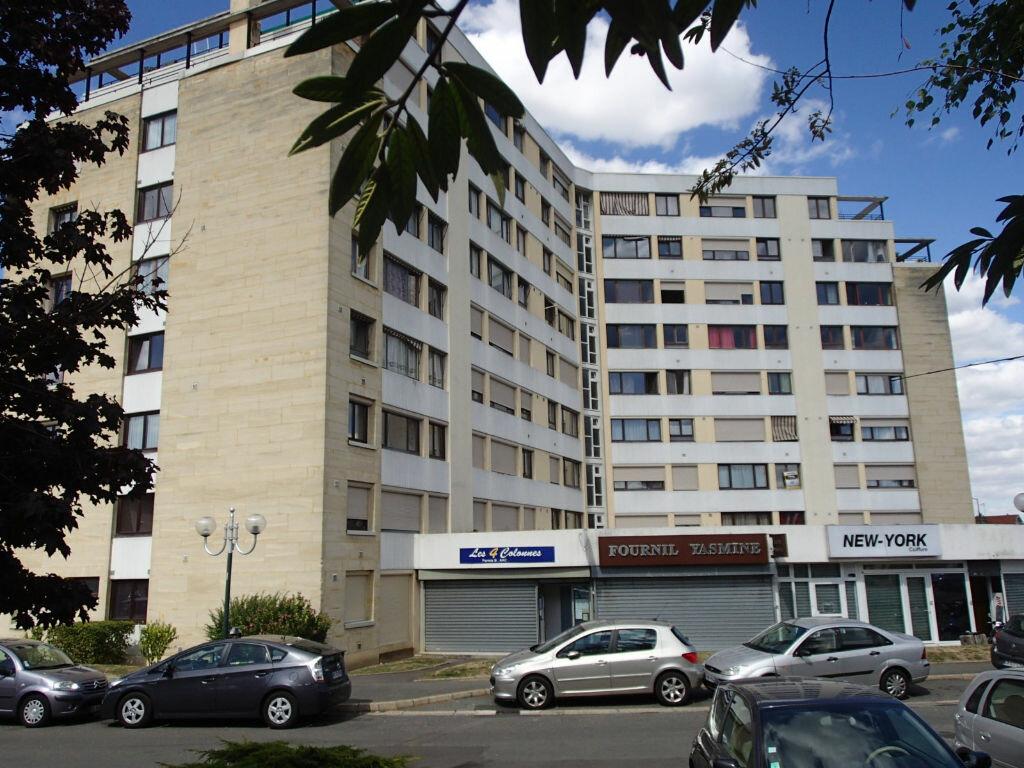 Achat Appartement 5 pièces à Saint-Gratien - vignette-1