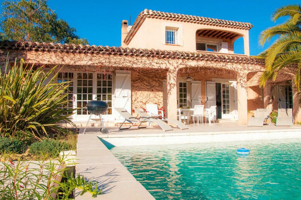 Achat Maison 8 pièces à Saint-Cyr-sur-Mer - vignette-9