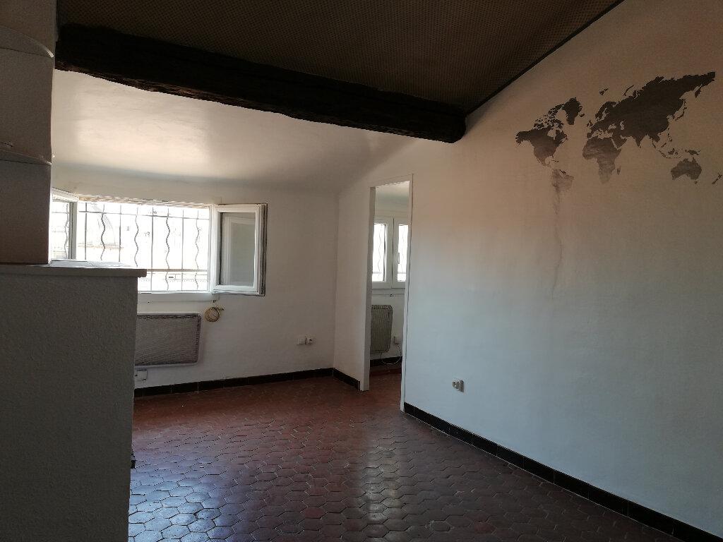 Location Appartement 1 pièce à Toulon - vignette-1