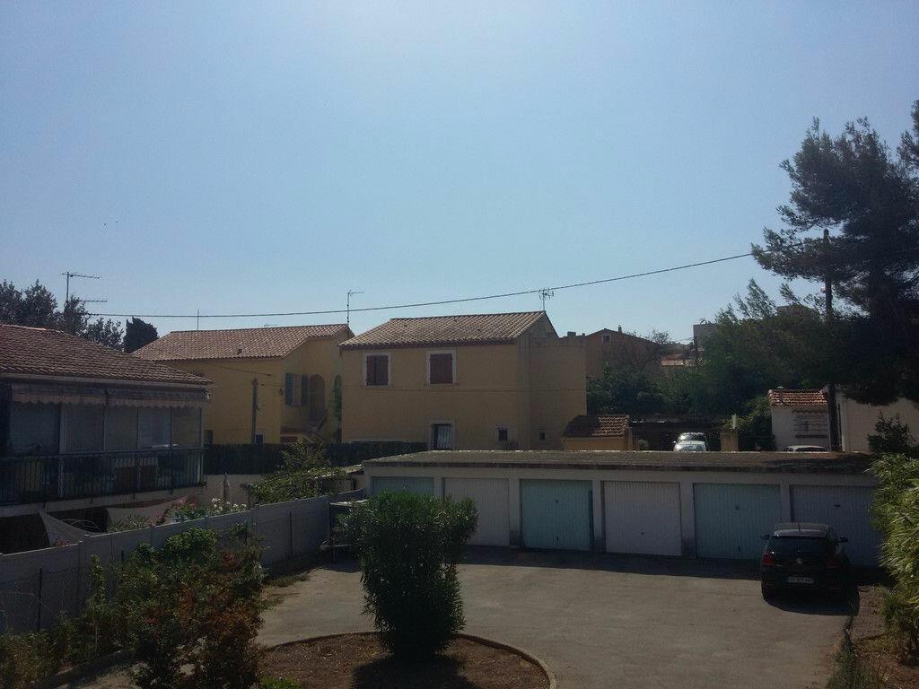 Location Appartement 4 pièces à La Seyne-sur-Mer - vignette-2