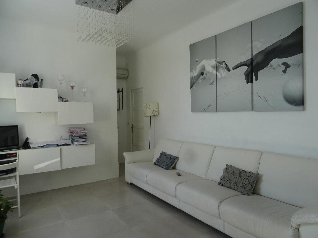 Achat Appartement 5 pièces à Toulon - vignette-2