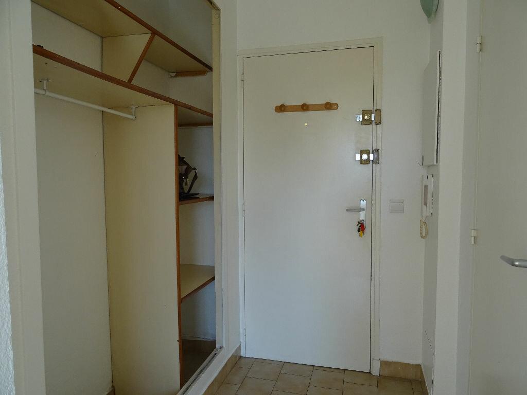 Achat Appartement 1 pièce à Toulon - vignette-3
