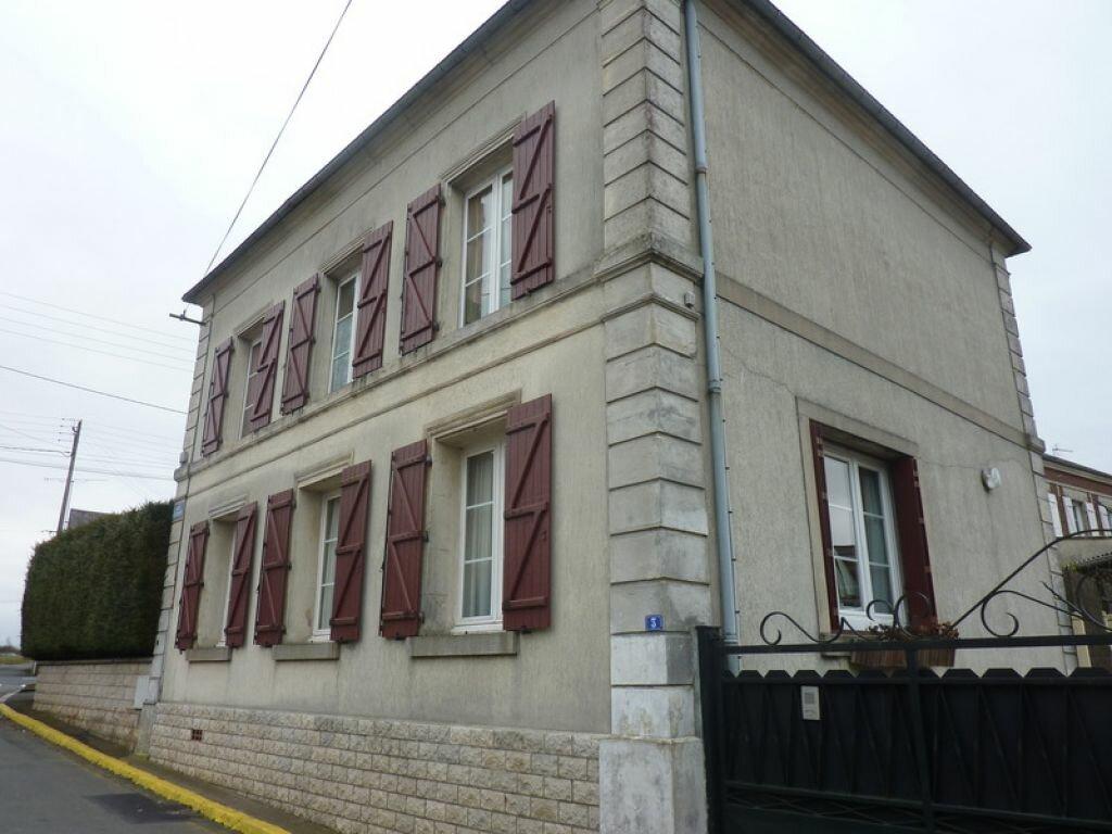 Achat Maison 5 pièces à Sainte-Geneviève - vignette-1