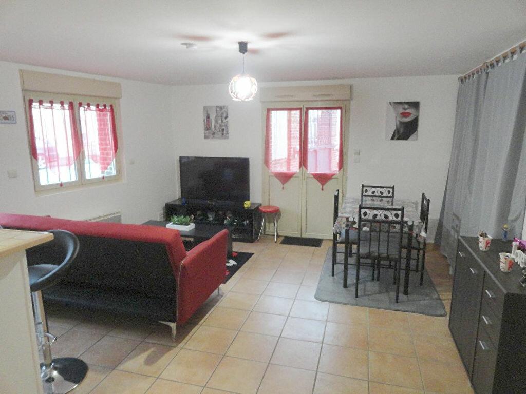 Achat Appartement 1 pièce à Gisors - vignette-1