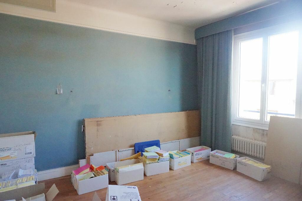 Achat Maison 10 pièces à Gournay-en-Bray - vignette-10