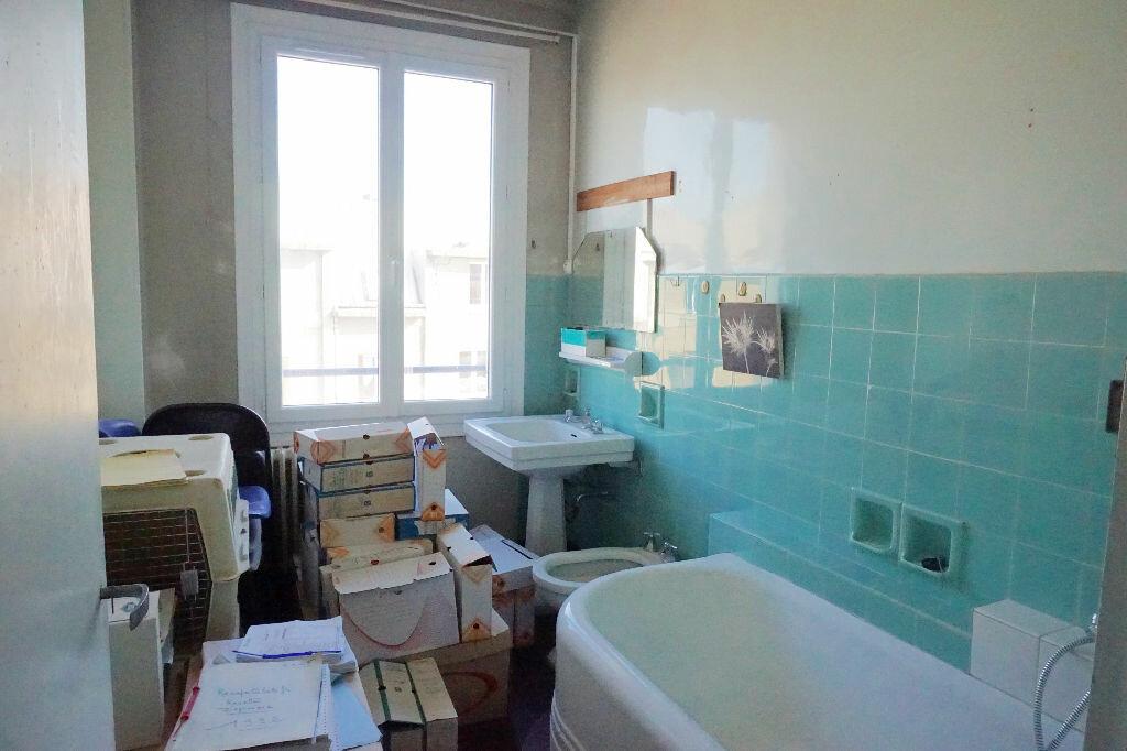 Achat Maison 10 pièces à Gournay-en-Bray - vignette-11