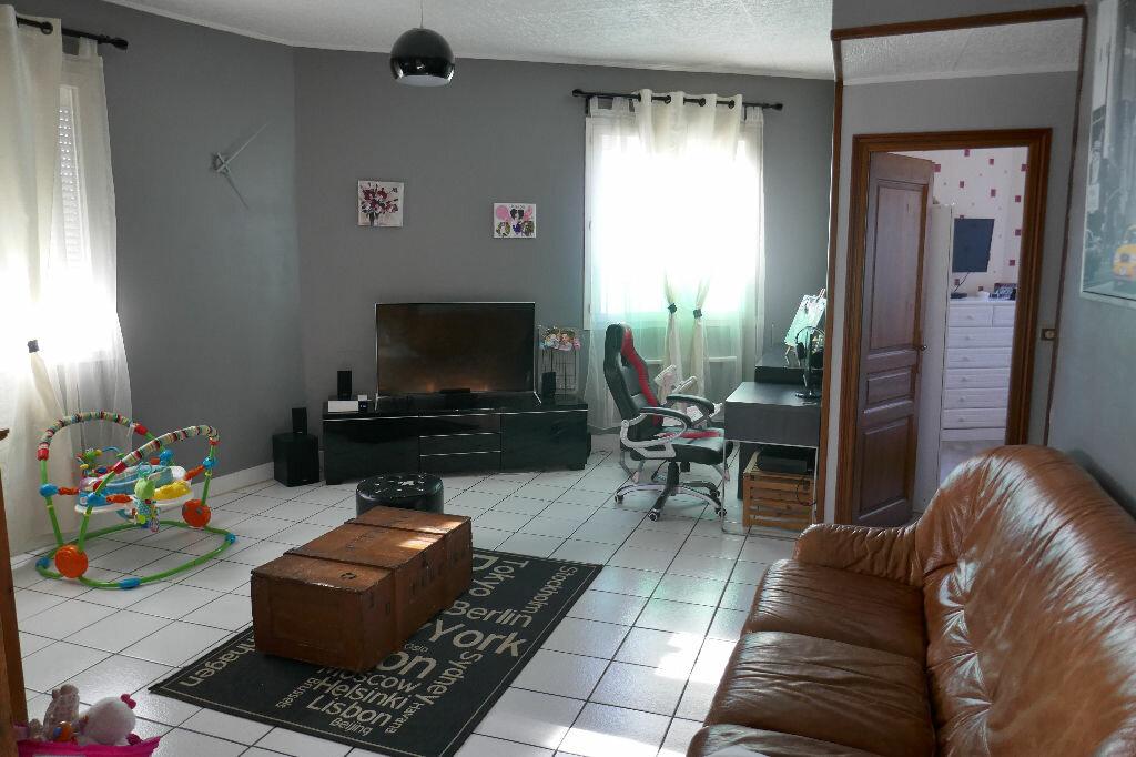 Achat Appartement 3 pièces à Gisors - vignette-2