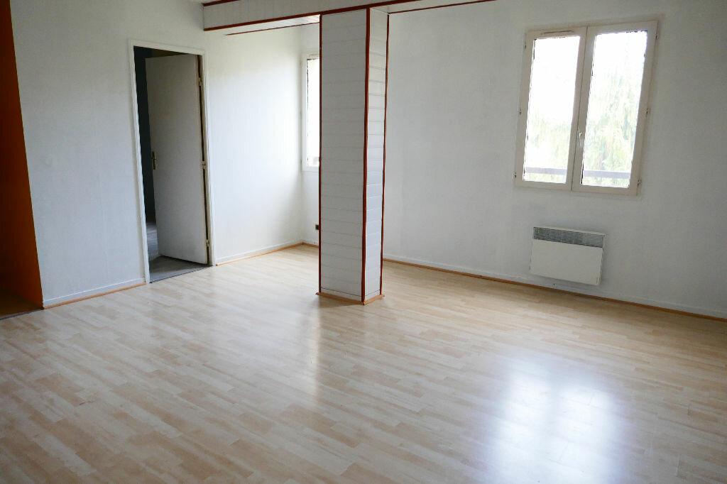 Achat Appartement 2 pièces à Gisors - vignette-2