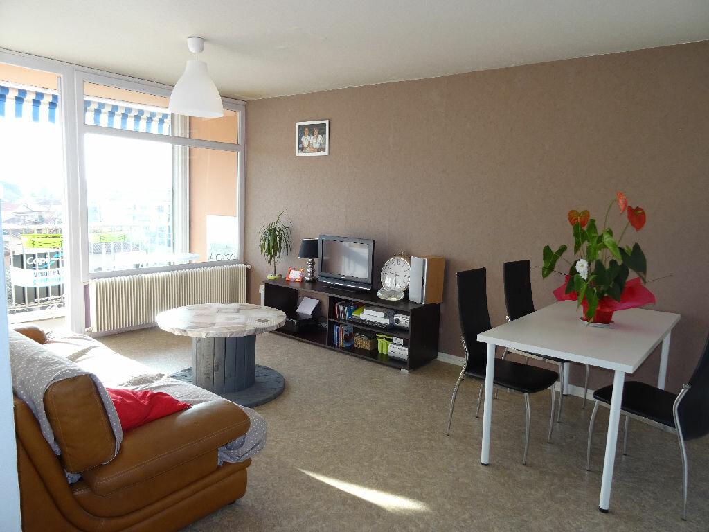 Achat Appartement 4 pièces à Villefranche-sur-Saône - vignette-2