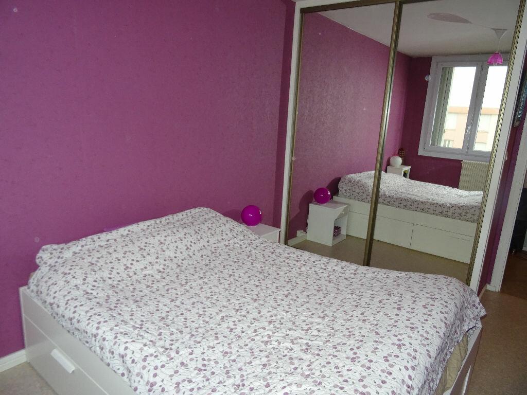 Achat Appartement 4 pièces à Villefranche-sur-Saône - vignette-6