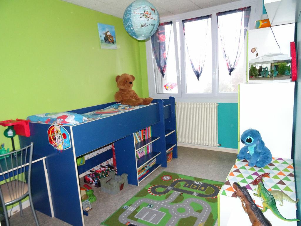 Achat Appartement 4 pièces à Villefranche-sur-Saône - vignette-7