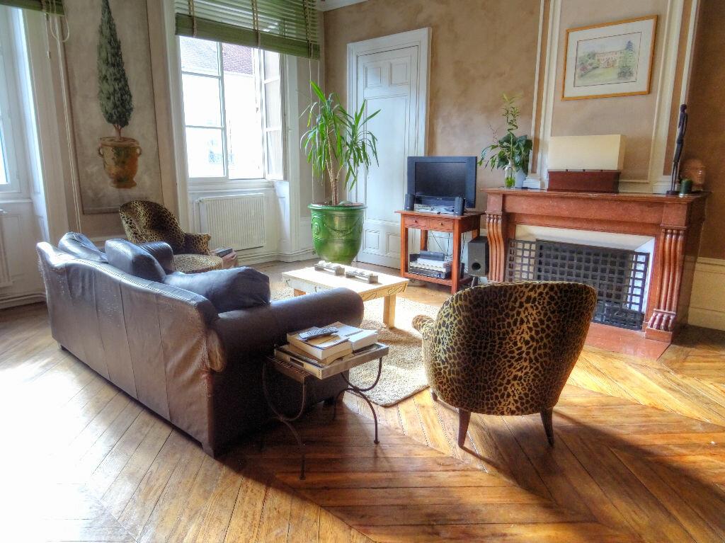 Achat Appartement 6 pièces à Villefranche-sur-Saône - vignette-1