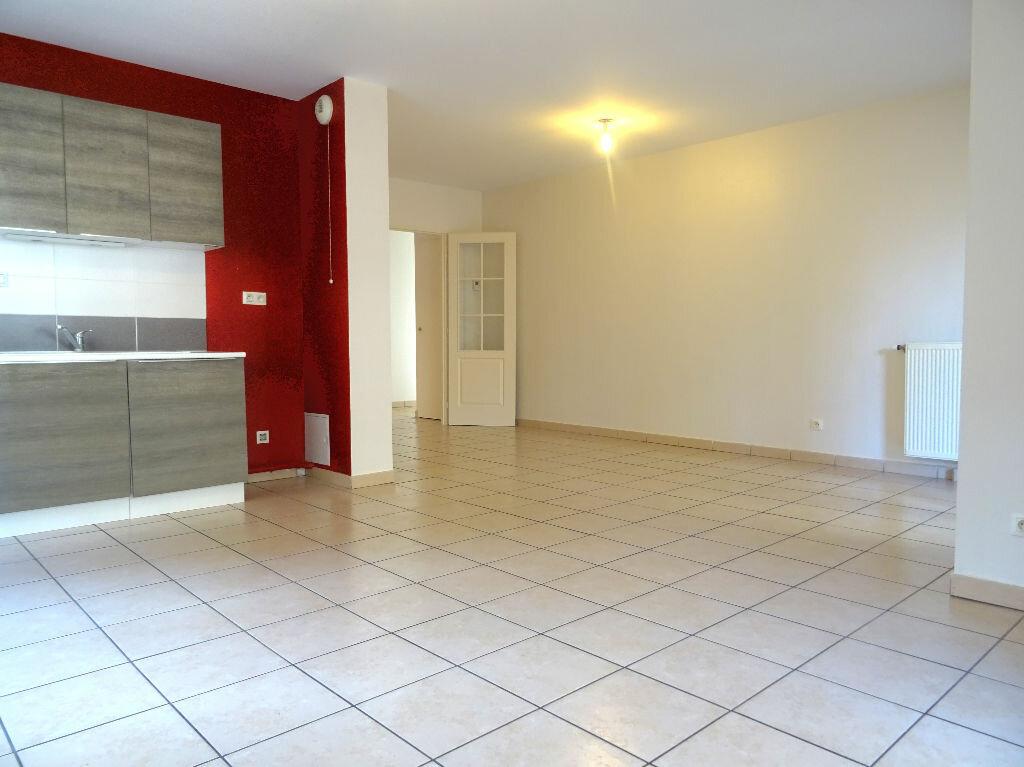 Achat Appartement 4 pièces à Villefranche-sur-Saône - vignette-1