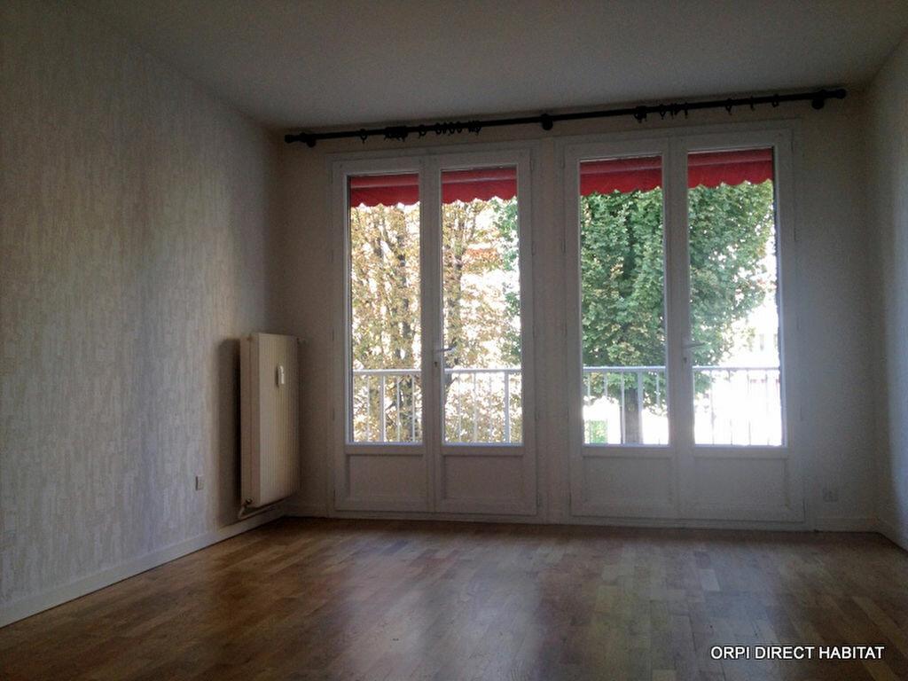 Location Appartement 3 pièces à Arnas - vignette-1