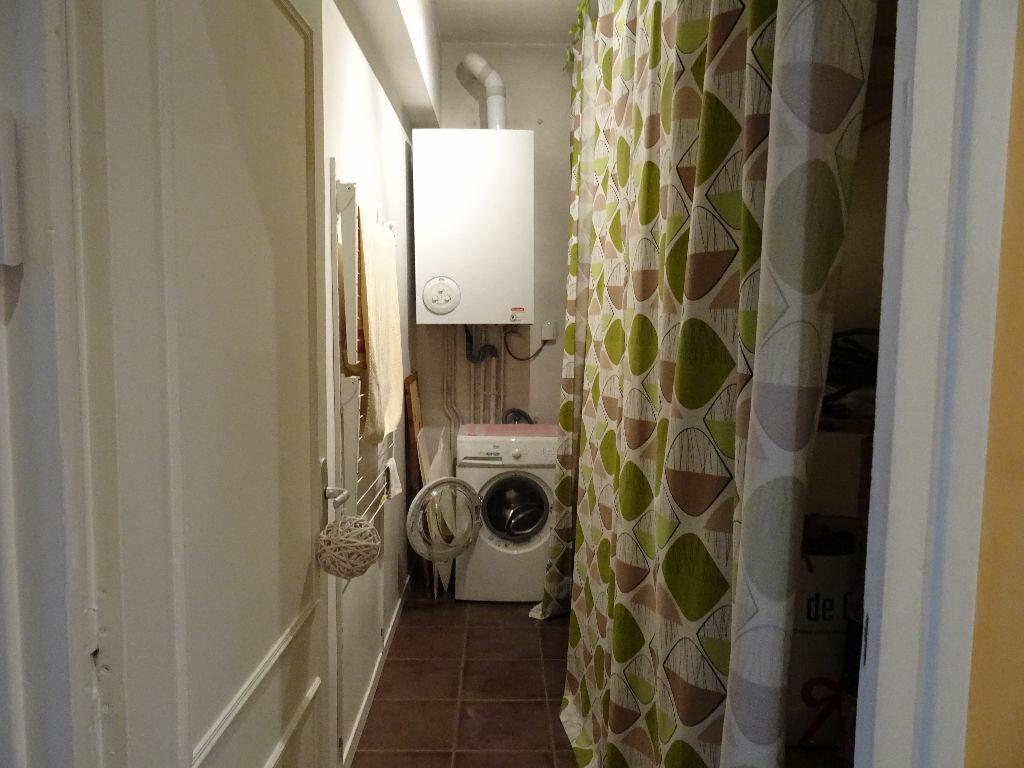 Achat Appartement 3 pièces à Villefranche-sur-Saône - vignette-9