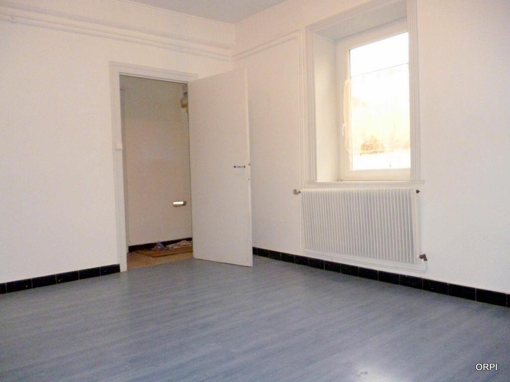 Location Appartement 3 pièces à Saint-Georges-de-Reneins - vignette-1