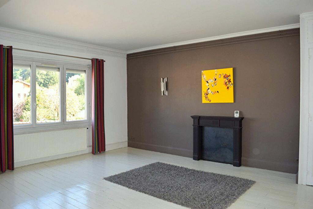 Achat Appartement 4 pièces à Fontaines-Saint-Martin - vignette-1