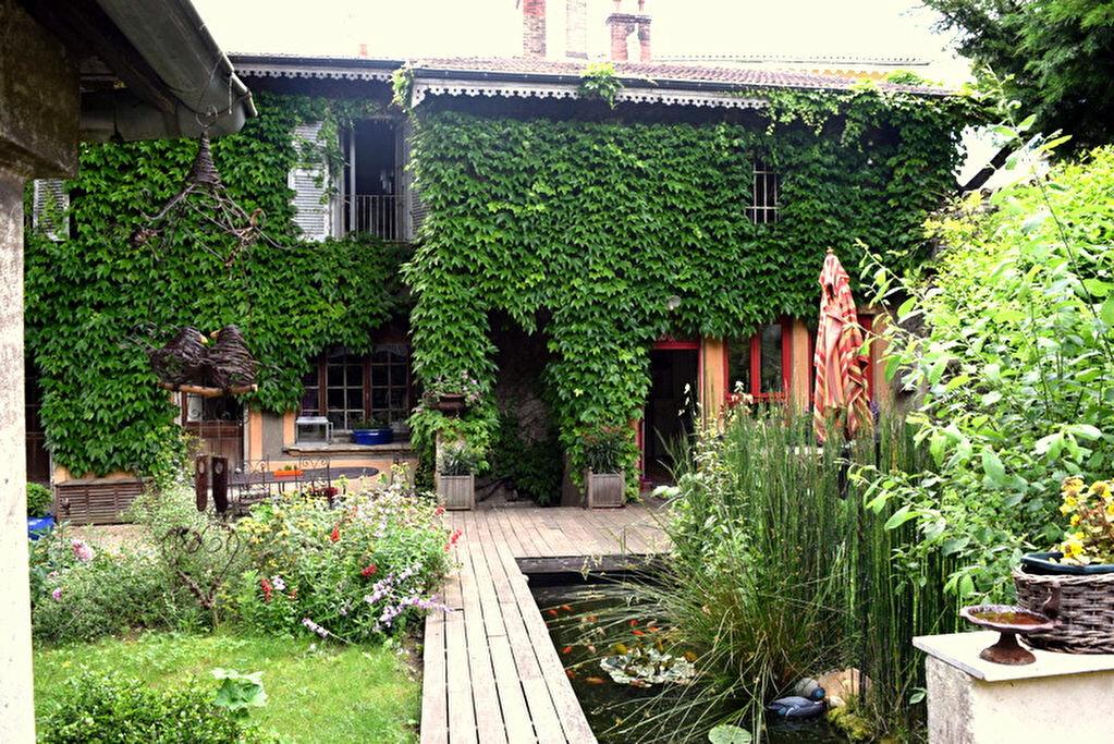 Achat Maison 11 pièces à Fontaines-sur-Saône - vignette-1