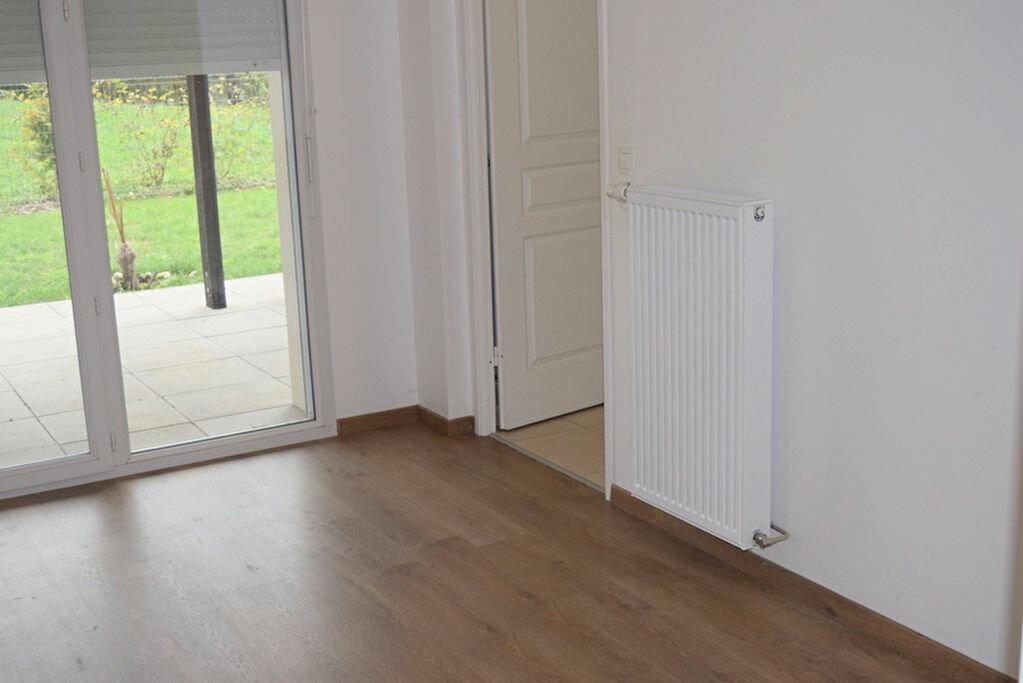 Achat Appartement 4 pièces à Neuville-sur-Saône - vignette-3